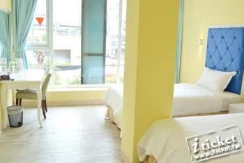 [愛票網] 獅子王商務旅館(漢來飯店旁)-精緻型平日2人房